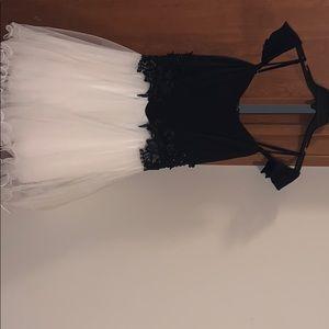 Windsor size 5 dress